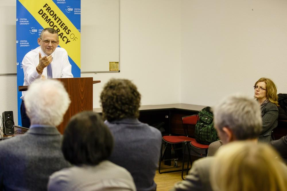 Kalman Mizsei on Ukraine's constitutional reforms. Image credit: CEU/Peter Sorok