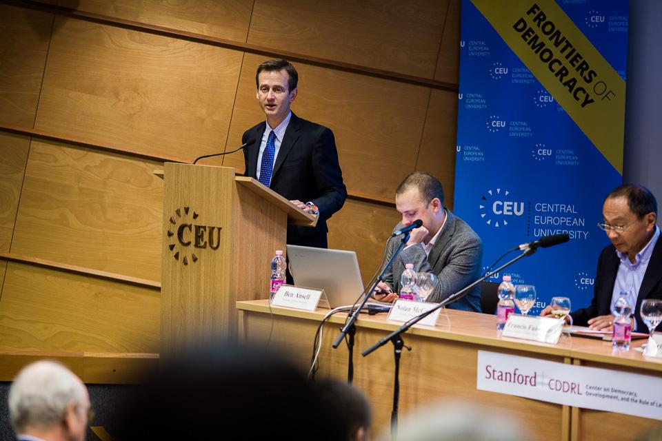 Nolan McCarty speaking at CEU's conference Democracy and Its Discontents. Image credit - CEU, Gabor Ancsin (Kepszerkesztoseg)