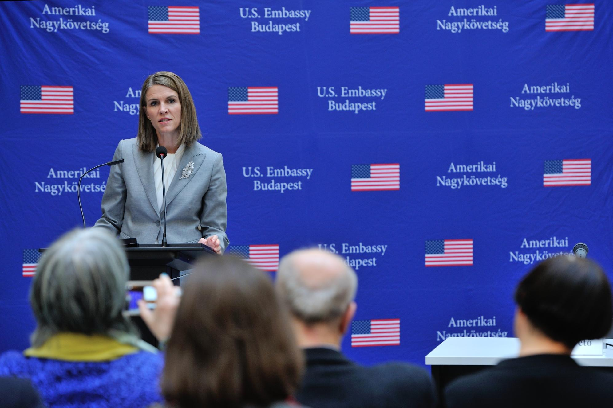 """U.S. Ambassador Colleen Bell at the book launch of  """"The Future of Holocaust Memorialization"""" at CEU. Image credit: U.S. Embassy"""