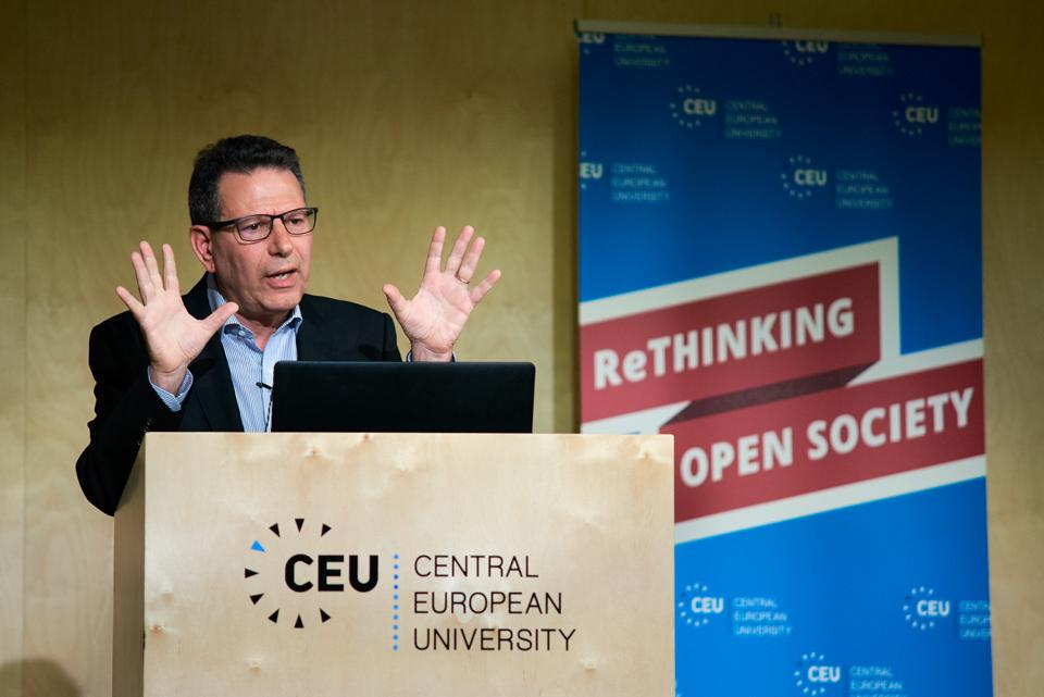 Robert D. Kaplan talked about how China is going through a similar development phase as the US in the late 19th century. Image credit: CEU / Daniel Vegel