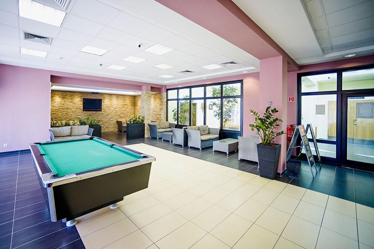 Residence Center bar