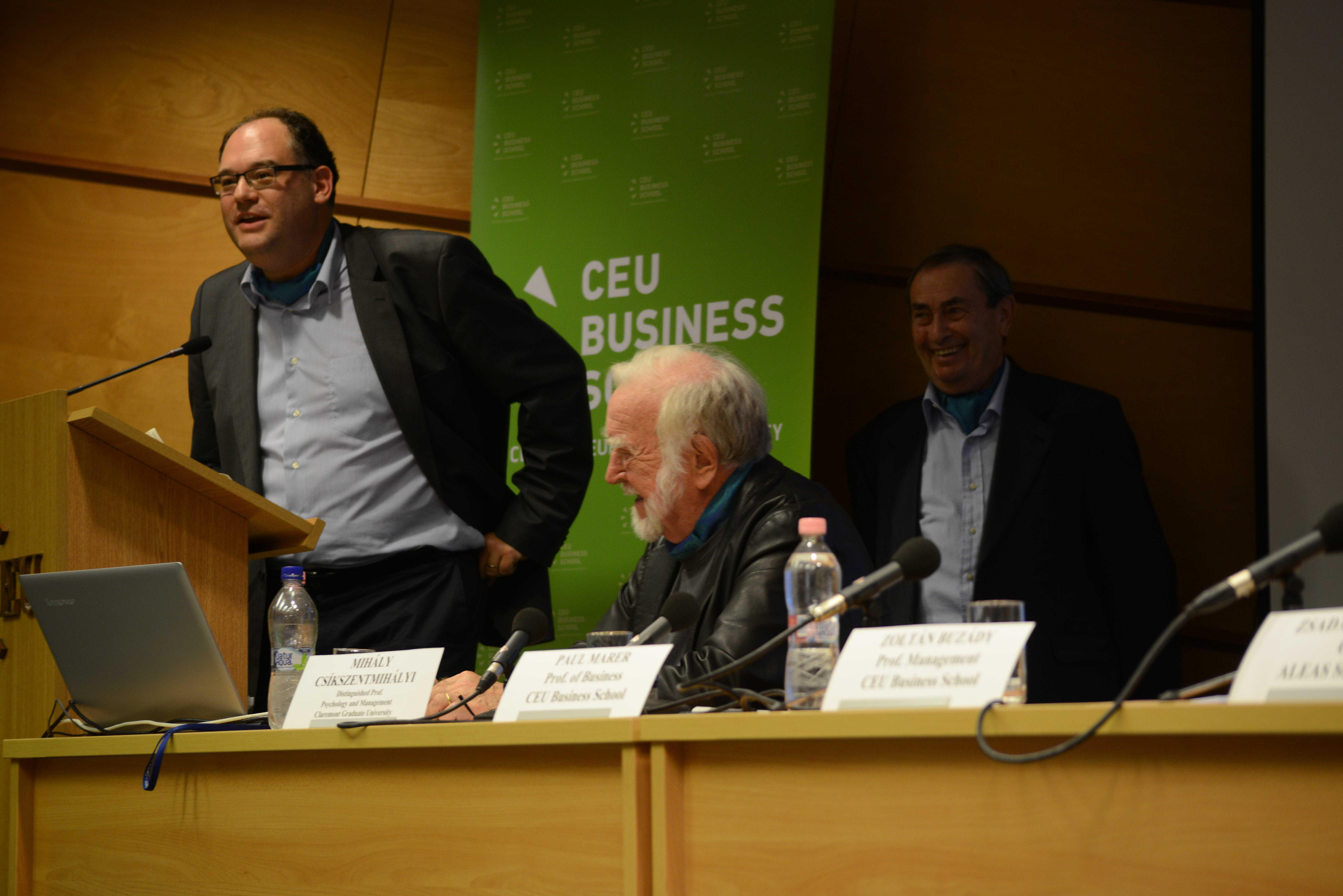 Zoltan Buzady, faculty member at CEU Business School, with Mihalyi Csikszentmihalyi and Professor Paul Marer (background) of CEU Business School. Photo: Edina Ligeti.
