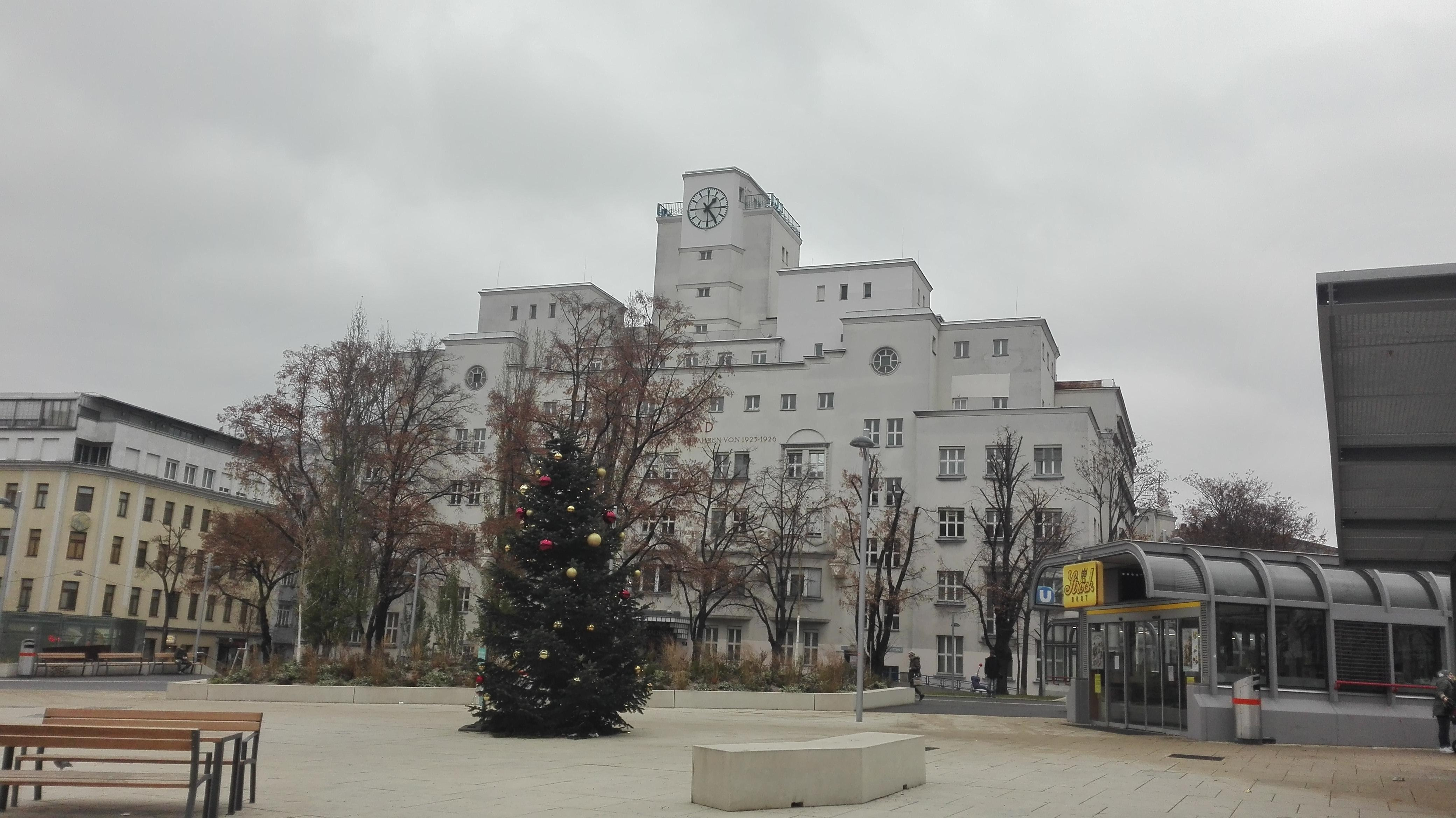 Amalienbad, Reumannplatz; Image Credit: Johana Cernochova